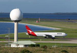 WOMEN-IN-AVIATION-terminal-area-radar