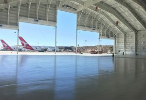 Women-in-Aviation-Hangar-Qantas